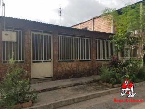 Casa En Ventaen Maracay, Caña De Azucar, Venezuela, VE RAH: 20-12907
