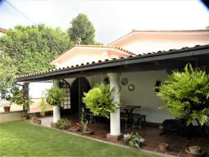 Casa En Ventaen Caracas, Los Palos Grandes, Venezuela, VE RAH: 20-12926