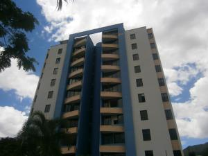 Apartamento En Ventaen Valencia, Valles De Camoruco, Venezuela, VE RAH: 20-13009