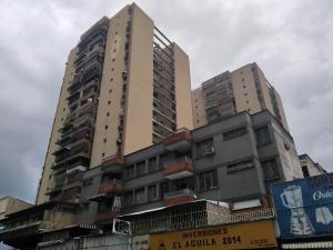 Apartamento En Ventaen Maracay, Zona Centro, Venezuela, VE RAH: 20-13041