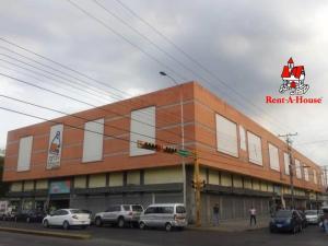 Local Comercial En Alquileren Maracay, Zona Centro, Venezuela, VE RAH: 20-13051