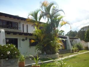 Casa En Ventaen San Antonio De Los Altos, Club De Campo, Venezuela, VE RAH: 20-13084