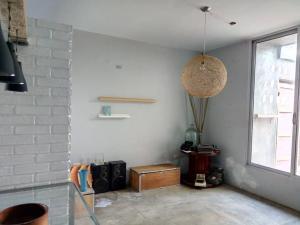 Townhouse En Ventaen Maracaibo, Avenida Goajira, Venezuela, VE RAH: 20-13168