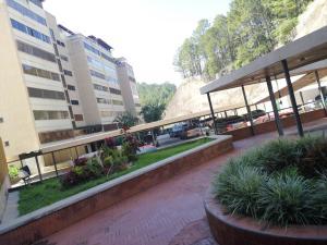 Apartamento En Ventaen Caracas, Lomas De Prados Del Este, Venezuela, VE RAH: 20-13216
