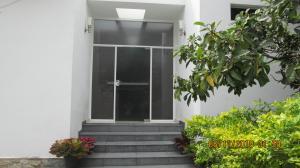 Casa En Ventaen Maracay, El Castaño (Zona Privada), Venezuela, VE RAH: 20-13282
