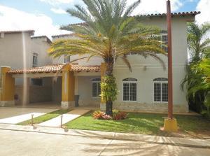 Casa En Ventaen El Tigre, Sector Avenida Jesus Subero, Venezuela, VE RAH: 20-13287