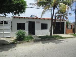Casa En Ventaen Margarita, Los Robles, Venezuela, VE RAH: 20-13317