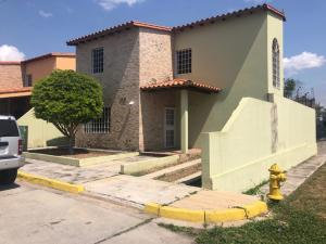 Casa En Ventaen Cabudare, Parroquia Agua Viva, Venezuela, VE RAH: 20-15150