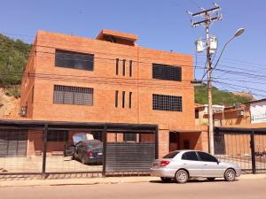 Apartamento En Ventaen Barcelona, Colinas Del Neveri, Venezuela, VE RAH: 20-13340