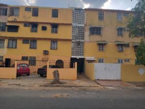 Apartamento En Ventaen Ciudad Bolivar, Av La Paragua, Venezuela, VE RAH: 20-13331