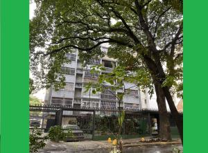 Apartamento En Alquileren Caracas, La Florida, Venezuela, VE RAH: 20-13341
