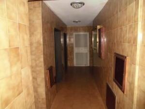Apartamento En Ventaen San Antonio De Los Altos, Los Salias, Venezuela, VE RAH: 20-20038