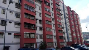 Apartamento En Ventaen Caracas, Caricuao, Venezuela, VE RAH: 20-13419