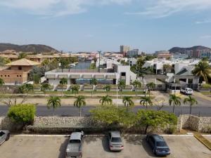 Apartamento En Ventaen Lecheria, Complejo Turistico El Morro, Venezuela, VE RAH: 20-13564