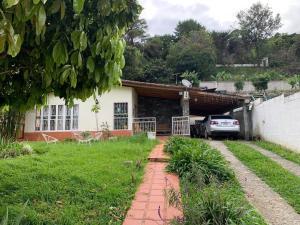 Terreno En Ventaen El Junquito-Vargas, El Junko Country Club, Venezuela, VE RAH: 20-13707