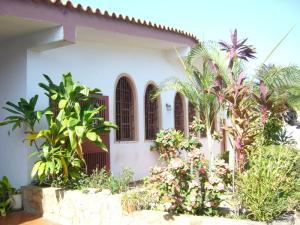 Casa En Ventaen Margarita, Costa Azul, Venezuela, VE RAH: 20-13846