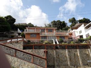 Casa En Ventaen San Antonio De Los Altos, El Cuji, Venezuela, VE RAH: 20-13878
