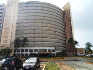 Apartamento En Ventaen Margarita, Avenida Bolivar, Venezuela, VE RAH: 20-13918