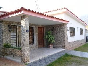 Casa En Ventaen Maracay, El Limon, Venezuela, VE RAH: 20-13953