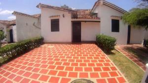 Townhouse En Ventaen Higuerote, Via Curiepe, Venezuela, VE RAH: 20-14068