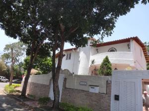 Casa En Ventaen Caracas, El Cafetal, Venezuela, VE RAH: 20-14086