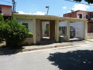 Casa En Ventaen Turmero, Zona Centro, Venezuela, VE RAH: 20-14144