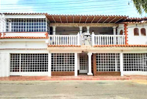 Casa En Ventaen Punto Fijo, Puerta Maraven - Mara Cardon, Venezuela, VE RAH: 20-14181