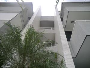 Apartamento En Ventaen Caracas, Los Palos Grandes, Venezuela, VE RAH: 20-14222