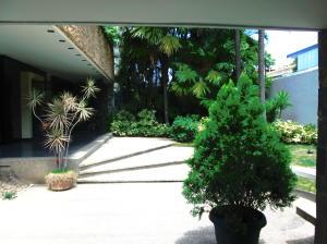 Apartamento En Ventaen Caracas, Los Palos Grandes, Venezuela, VE RAH: 20-14370