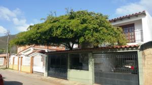 Casa En Ventaen Margarita, Santa Ana, Venezuela, VE RAH: 20-14518