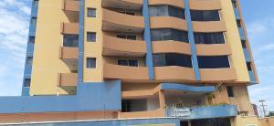 Apartamento En Ventaen Lecheria, Av Diego Bautista Urbaneja, Venezuela, VE RAH: 20-18218