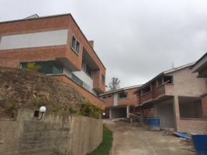 Casa En Ventaen San Antonio De Los Altos, Las Polonias Viejas, Venezuela, VE RAH: 20-14709