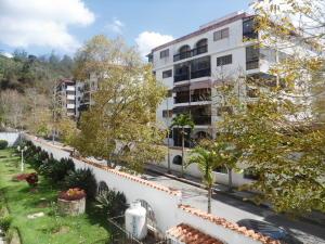 Apartamento En Ventaen San Antonio De Los Altos, Las Salias, Venezuela, VE RAH: 20-14744