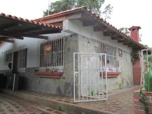 Casa En Ventaen El Junquito-Vargas, El Junko Country Club, Venezuela, VE RAH: 20-14743
