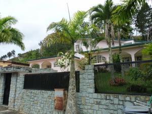 Casa En Ventaen Caracas, Los Naranjos Del Cafetal, Venezuela, VE RAH: 20-14770