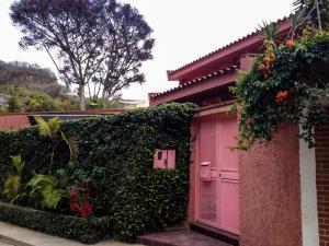 Casa En Ventaen Caracas, Colinas Del Tamanaco, Venezuela, VE RAH: 20-2028