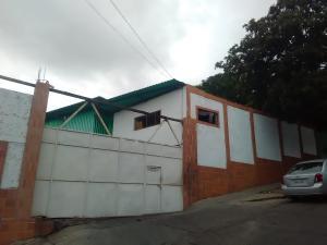 Galpon - Deposito En Ventaen Parroquia Caraballeda, Caribe, Venezuela, VE RAH: 20-15093