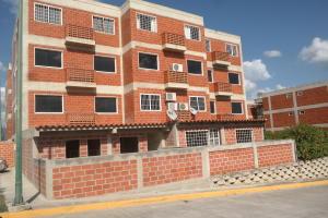 Apartamento En Ventaen Guatire, El Encantado, Venezuela, VE RAH: 20-15099