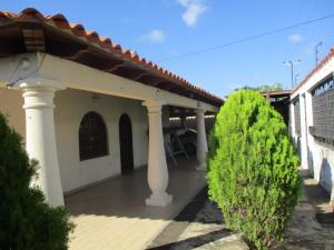 Casa En Ventaen Margarita, El Valle, Venezuela, VE RAH: 20-15104