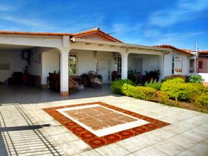 Casa En Ventaen Punto Fijo, Puerta Maraven, Venezuela, VE RAH: 20-15112