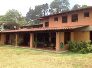 Casa En Ventaen Caracas, La Lagunita Country Club, Venezuela, VE RAH: 20-15240