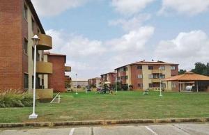 Apartamento En Ventaen El Tigre, Sector Avenida Intercomunal, Venezuela, VE RAH: 20-14452