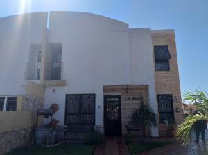 Townhouse En Ventaen Maracaibo, Amparo, Venezuela, VE RAH: 20-15336