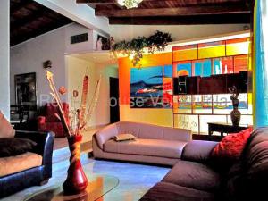 Casa En Alquileren Punto Fijo, Santa Irene, Venezuela, VE RAH: 20-9038