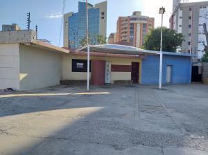 Casa En Ventaen Maracaibo, Avenida Universidad, Venezuela, VE RAH: 20-15376