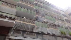 Apartamento En Ventaen Caracas, Parroquia La Candelaria, Venezuela, VE RAH: 20-15714
