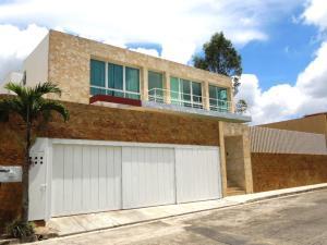 Casa En Ventaen Caracas, Alto Hatillo, Venezuela, VE RAH: 20-15740