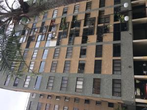Apartamento En Ventaen Caracas, Las Esmeraldas, Venezuela, VE RAH: 20-11882