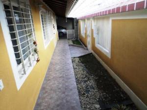 Townhouse En Ventaen Charallave, Vista Linda, Venezuela, VE RAH: 20-15859