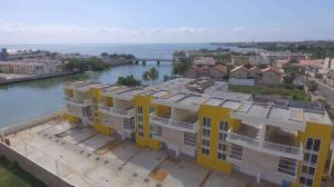 Townhouse En Ventaen Maracaibo, Lago Mar Beach, Venezuela, VE RAH: 20-16007